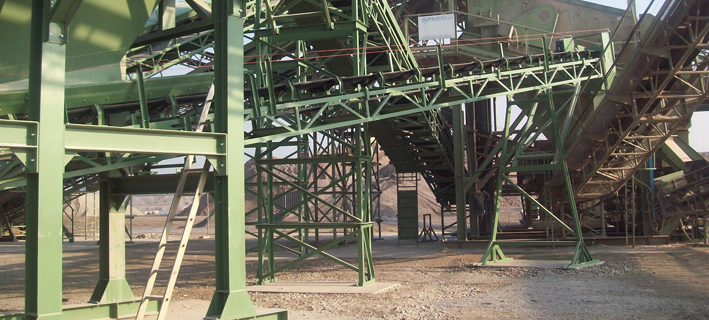 Belt conveyors S5 Series<br /> with triangle beams sectoin<br /> lattice structure